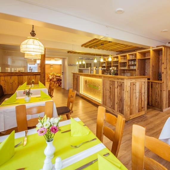 Roda_Restaurant-14_q